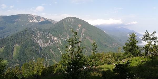 Blick vom Sinacher Gupf nach Südwesten zum Matschacher Gupf und der Bärentaler Kotschna