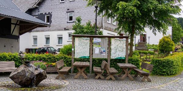 Wandertafel mit Sitzgruppe in Gellinghausen
