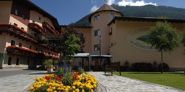 Ferienhotel Alber im Sommer