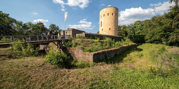 Ginsburg mit Burgmauer