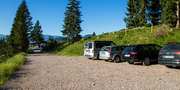 Wanderparkplatz an der Wochenbrunner Alm