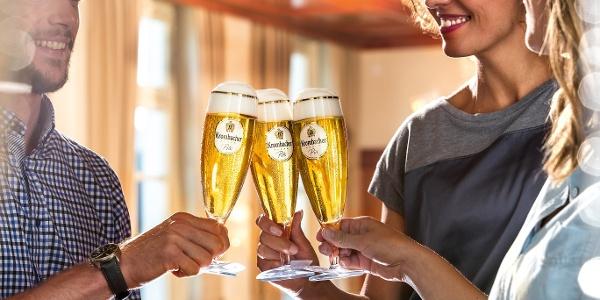 Krombacher Brauerei_Braustube Anstoßszene