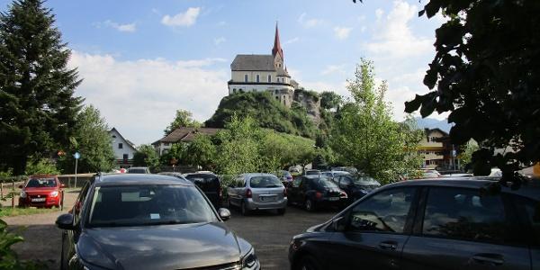 kostenfreie Parkplätze stehen beim Gasthof Sternbräu zur Verfügung