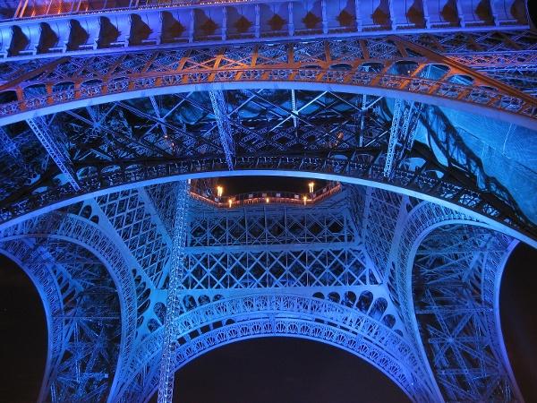 A Torre Eiffel à noite