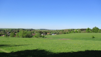 Saftig grüne Wiesen auf der Hochfläche um Elbingerode