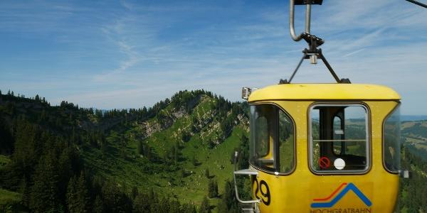 Gelbe Gondel der Hochgratbahn