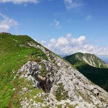 Blick auf den Grat zur Gartnerwand vom oberen Gipfelkreuz aus.