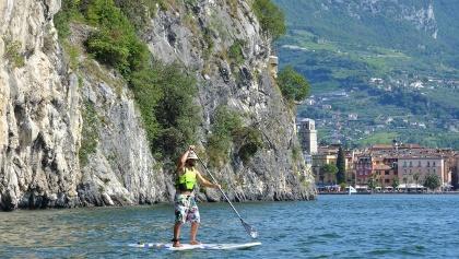 SUP a Riva del Garda