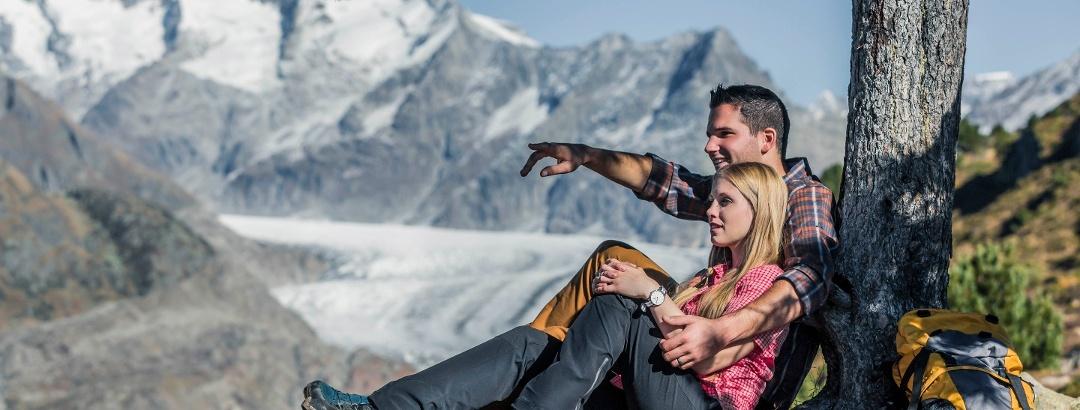 Wandern und Wundern am Grossen Aletschgletscher, dem grössten Gletscher der Alpen
