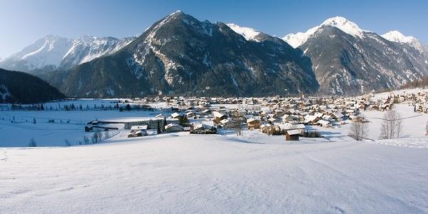 Umhausen - Ortsaufnahme Winter