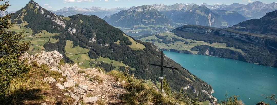 Aussicht beim Gipfelkreuz