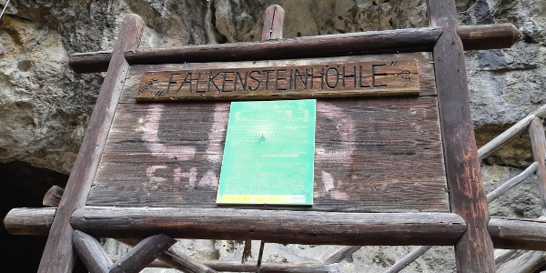 Eingang Falkensteinhöhle