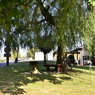 Rastmöglichkeit in Stockem am Rundwanderweg Nr. 76 Naturpark Südeifel
