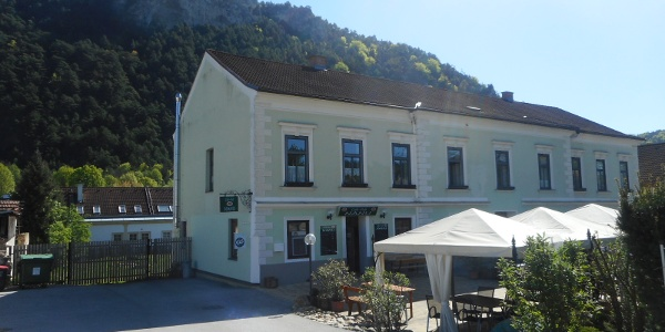 Cafe-Pub Nanu