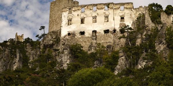 Die Ruine Rauhenstein ist unser erstes Ziel