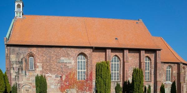 Außenansicht St. Georg Kirche