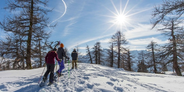 Fill up on the sun on the snow-covered summits
