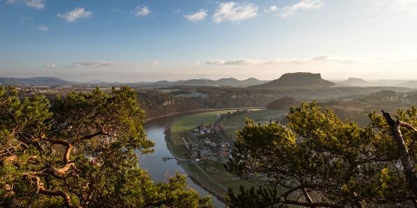 Blick von der Bastei Richtung Kurort Rathen
