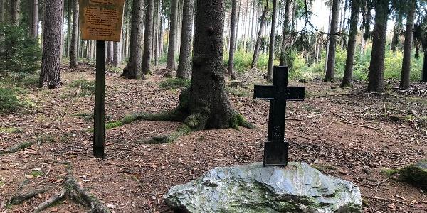 Schwarzes Kreuz in Thalheim