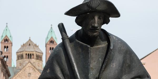 Pilgerstatue vor dem Dom zu Speyer