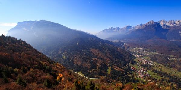 Panorama su Cavedago salendo a Malga Val dei Brenzi