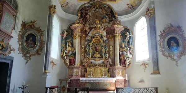 Innenansicht der Frauenbergkapelle beim Kloster Weltenburg