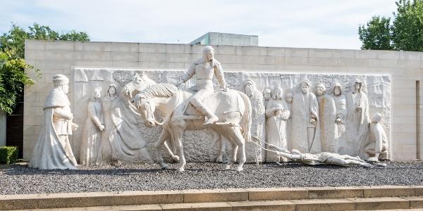 A Szentvér úti legenda a nyírbátori történelmi sétányon