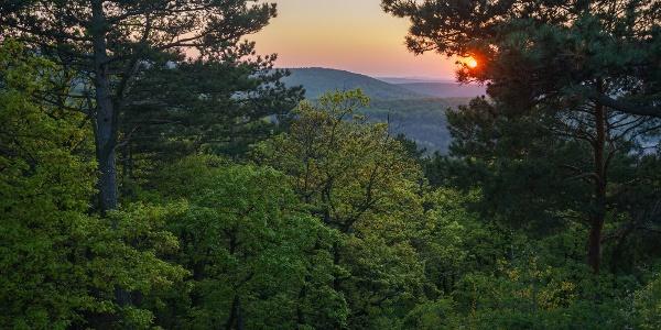 Szűk kitekintés Ausztria felé a soproni Gloriette-kilátóból