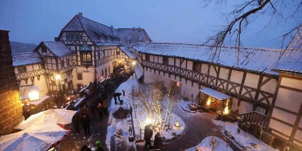 Historischer Weihnachtsmarkt auf der Wartburg bei Eisenach