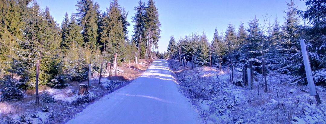 Hier oben auf fast 950m ist der Winter bereits angekommen.