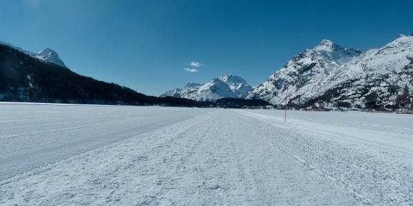 Bequeme und garantiert ebene Wege auf dem Silsersee