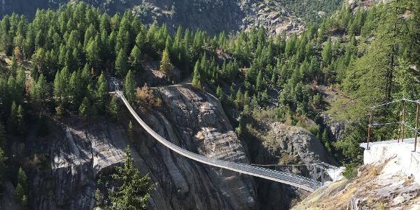 Blick auf die Aspi-Titter-Brücke
