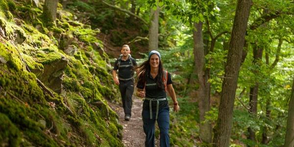 Unterwegs auf schmalen Pfaden - 24-Stunden Wanderabenteuer Edersee