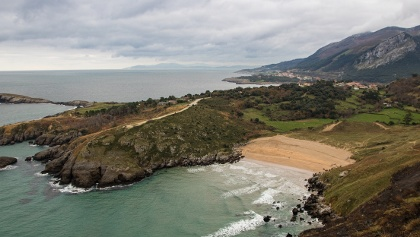 Blick zurück auf den idyllischem Strand.