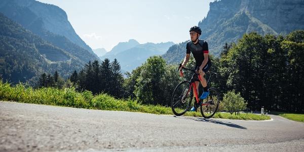 Rennradfahrer Richtung Schnepfegg