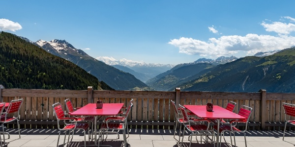 Terrasse panoramique hôtel de montagne Chäserstatt