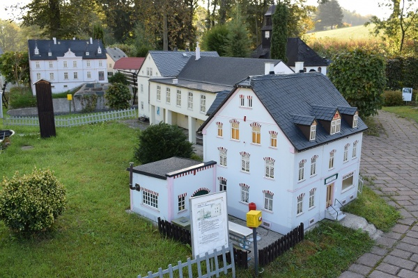 Liebevoll gestaltete Miniaturwelt Mini-Weißbach
