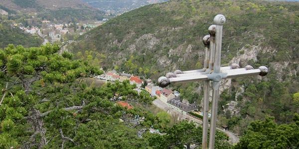 Schöne Tiefblicke in die Brühl beim NATURFREUNDE-Kreuz auf dem Frauenstein