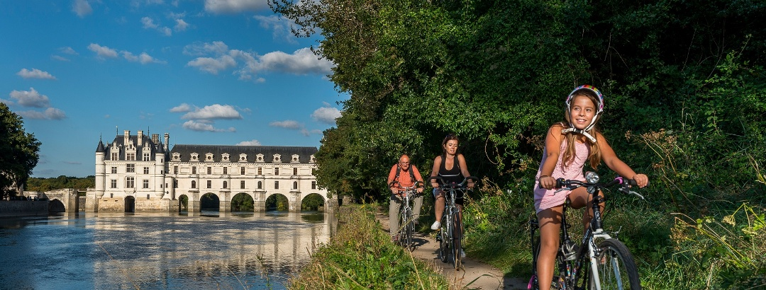 Radfahrer am Château de Chenonceau