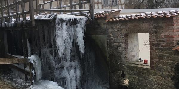 Das Mühlrad im Winter