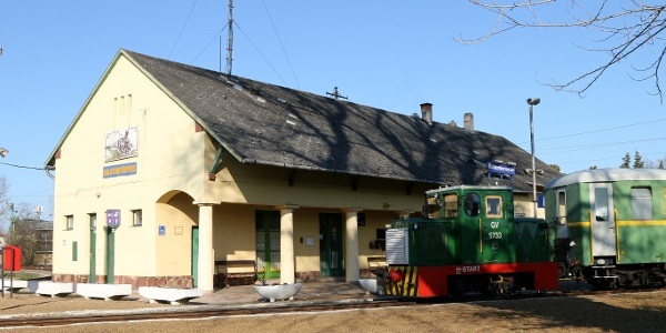 Kisvasúti hangulat: Balatonfenyves GV állomás