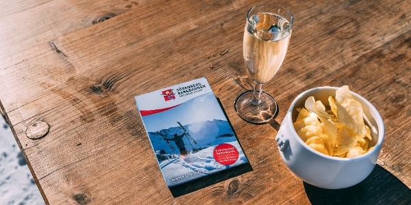 Starten Sie mit einem Cüpli beim Erlebnis-Restaurant Rossweid in die Winterwanderung