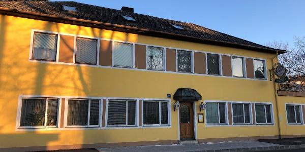 """Gasthaus """"Zur neuen Welt"""" Aussenansicht"""