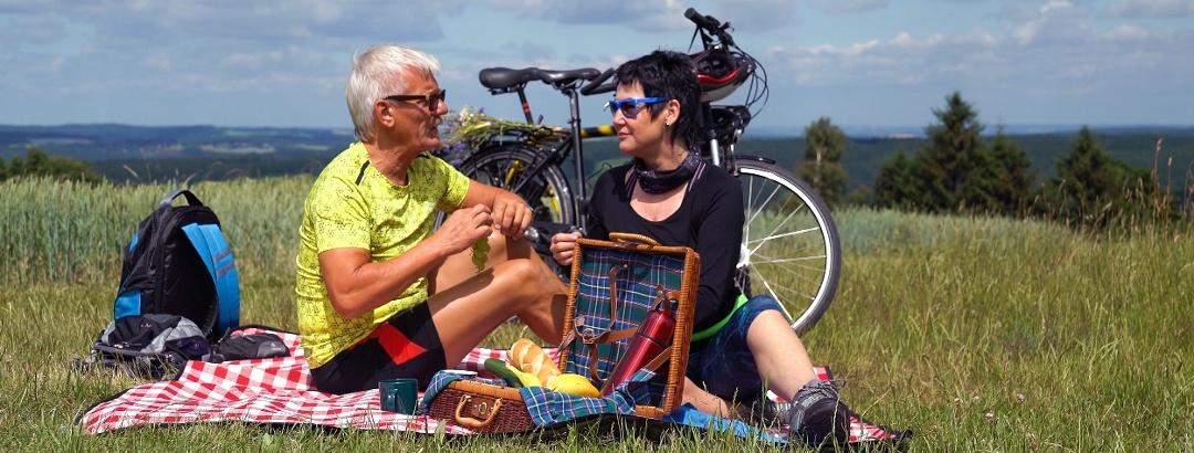 Entspannte Rast während einer Radtour