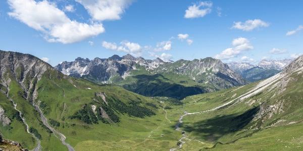 bei der Stuttgarter Hütte (c) Lucas Tiefenthaler / Vorarlberg Tourismus