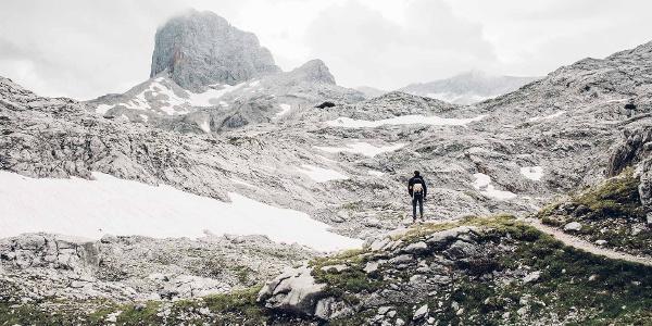 Toller Anblick des Bergmassives am Dachsteinrundwanderweg