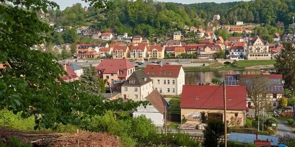 Blick im Aufstieg auf Stadt Wehlen