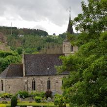 Iserburg, Kirche und Burgruine