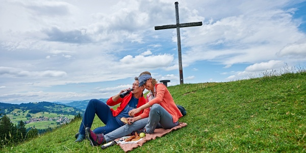 Brotzeit am Hündle-Gipfel