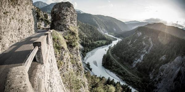 Fahrt durch die Rheinschlucht